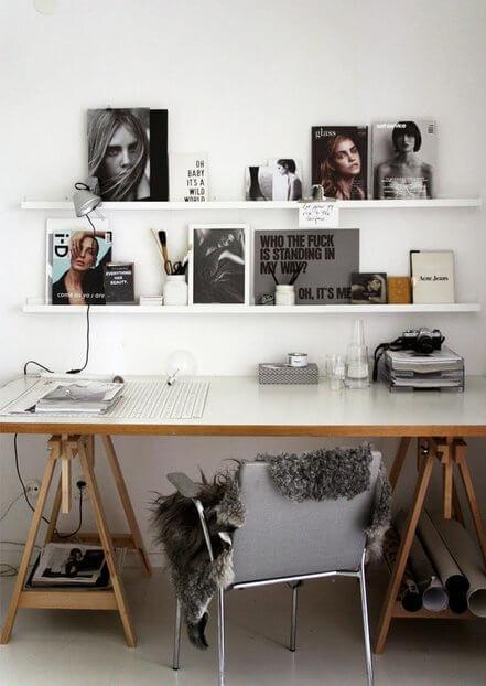 Mesa de estudo no quarto fashionista