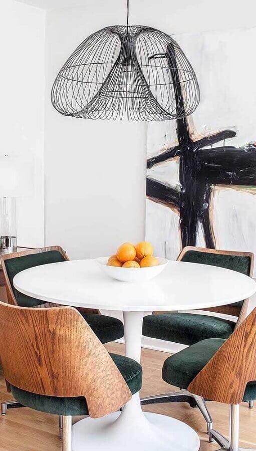 mesa redonda branca com cadeira de jantar giratória Foto Ideias Decor