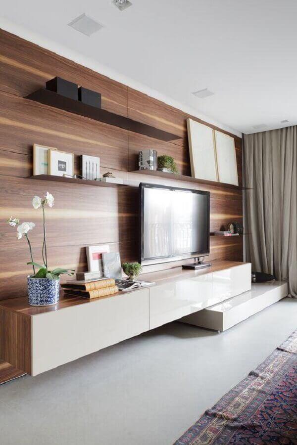 modelo moderno de rack com painel de madeira Foto Pinterest