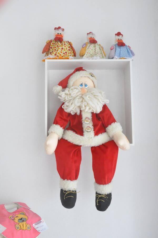 Papai noel na decoração de natal de quarto infantil