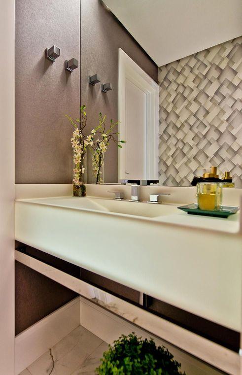 papel de parede geométrico - lavabo com papel de parede geométrico