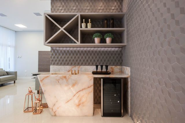 papel de parede geométrico - papel de parede geométrico e luminária de piso
