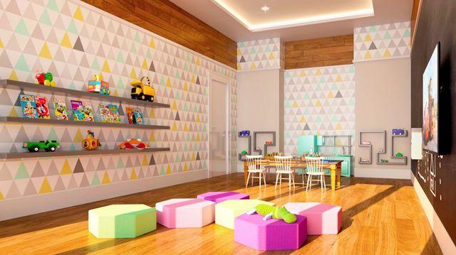 papel de parede geométrico - papel de parede geométrico e puff hexagonal baixo
