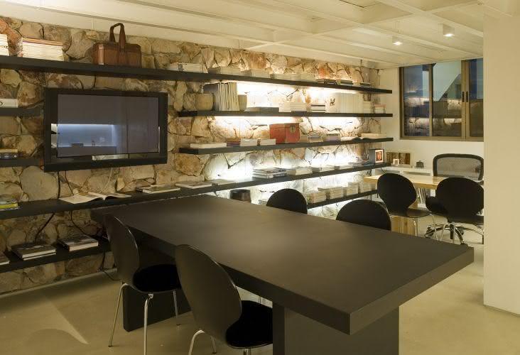 parede de pedra - escritório com parede de pedra