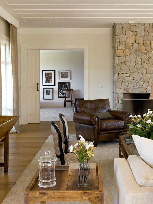 parede de pedra - sala de estar com parede de pedra