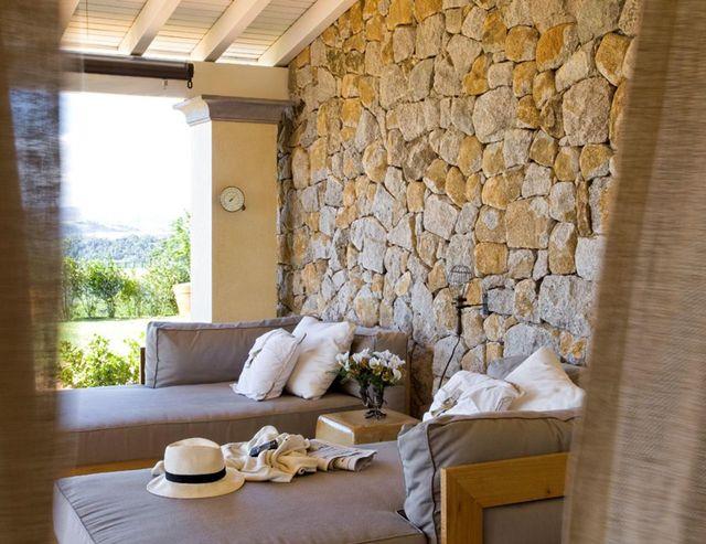 parede de pedra - varanda com parede de pedra - Dado Castello Branco
