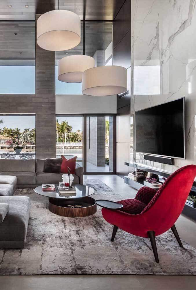 poltrona vermelha para decoração de sala grande e moderna Foto Pinterest