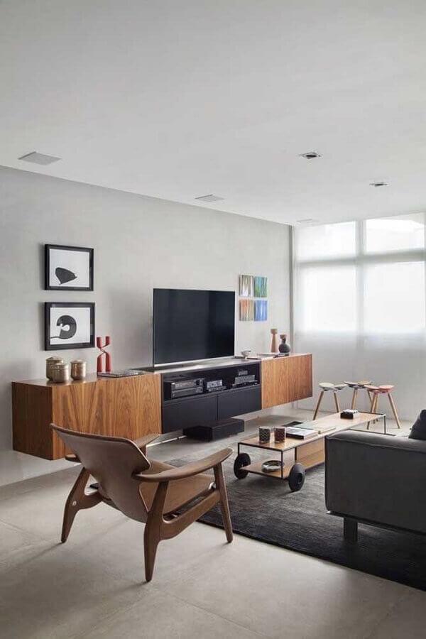 rack de madeira suspenso para sala decorada com tapete cinza Foto Ideias Decor