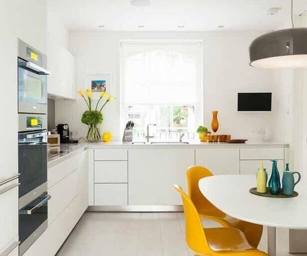 reforma de cozinha toda branca planejada  Foto Decoração e Projetos