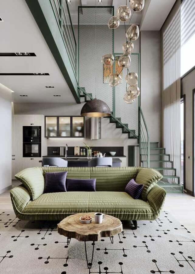 sala cinza decorada com sofá verde musgo Foto Behance