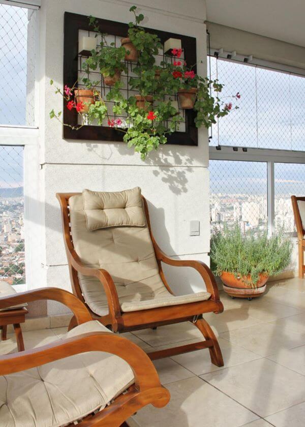 Suporte para plantas de ferro para decorar a varanda