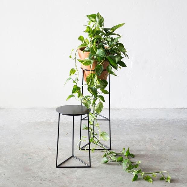Suporte de ferro para plantas