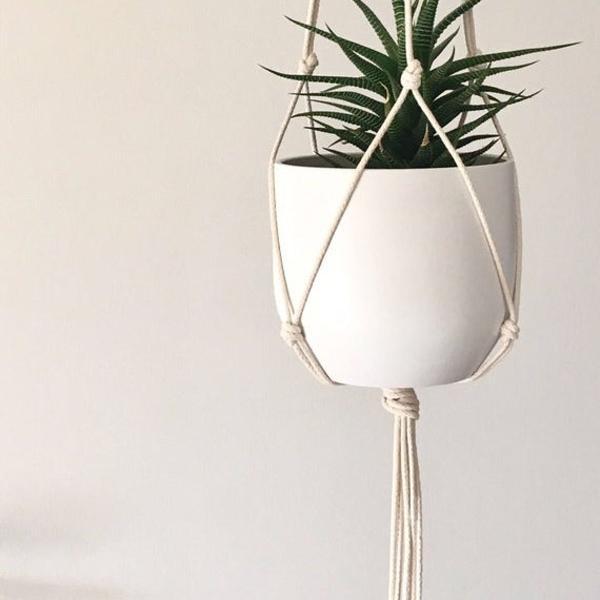 Suporte para vaso de plantas macramê