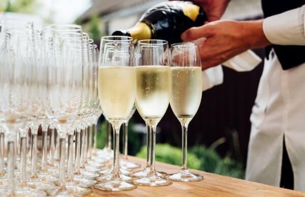 Taça de vinho estreita para espumante de festa