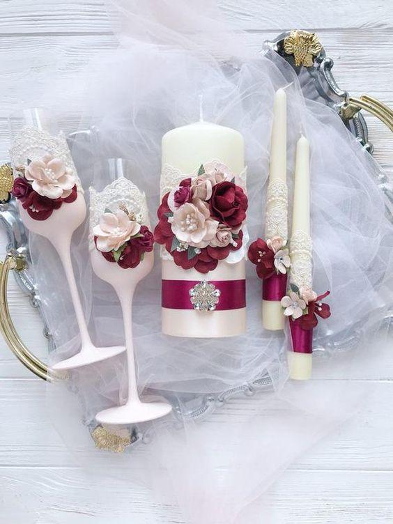 velas de natal - mesa de natal com velas e taças