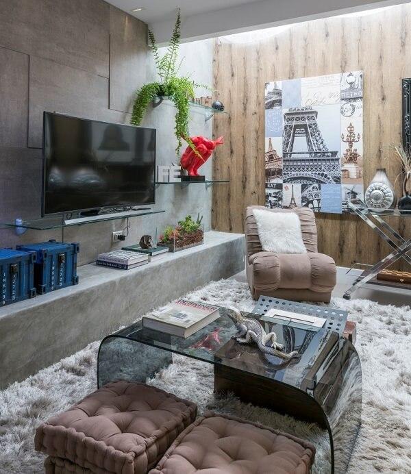 Poltronas para sala de tv em tom neutro se mistura na decoração do ambiente