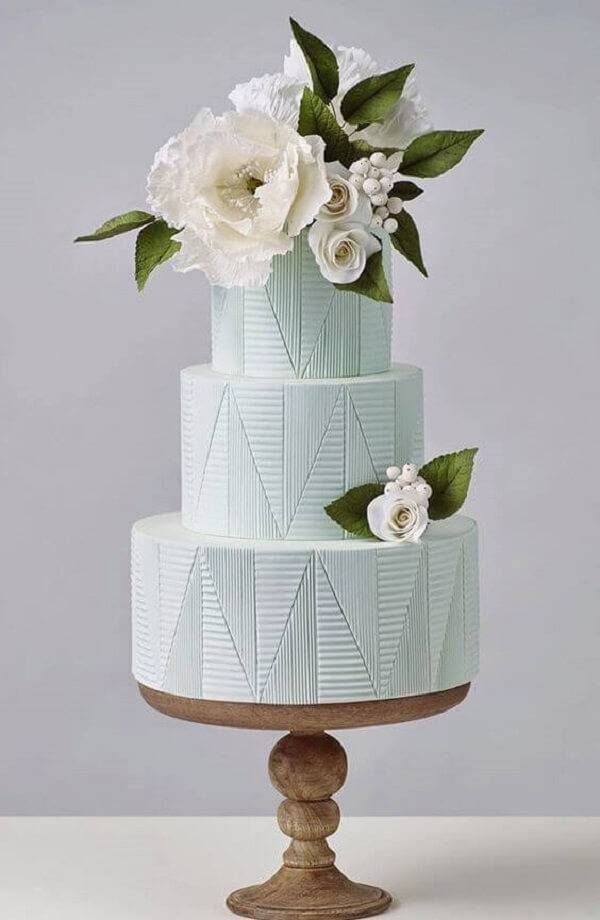 Bolo de casamento fake com topo floral