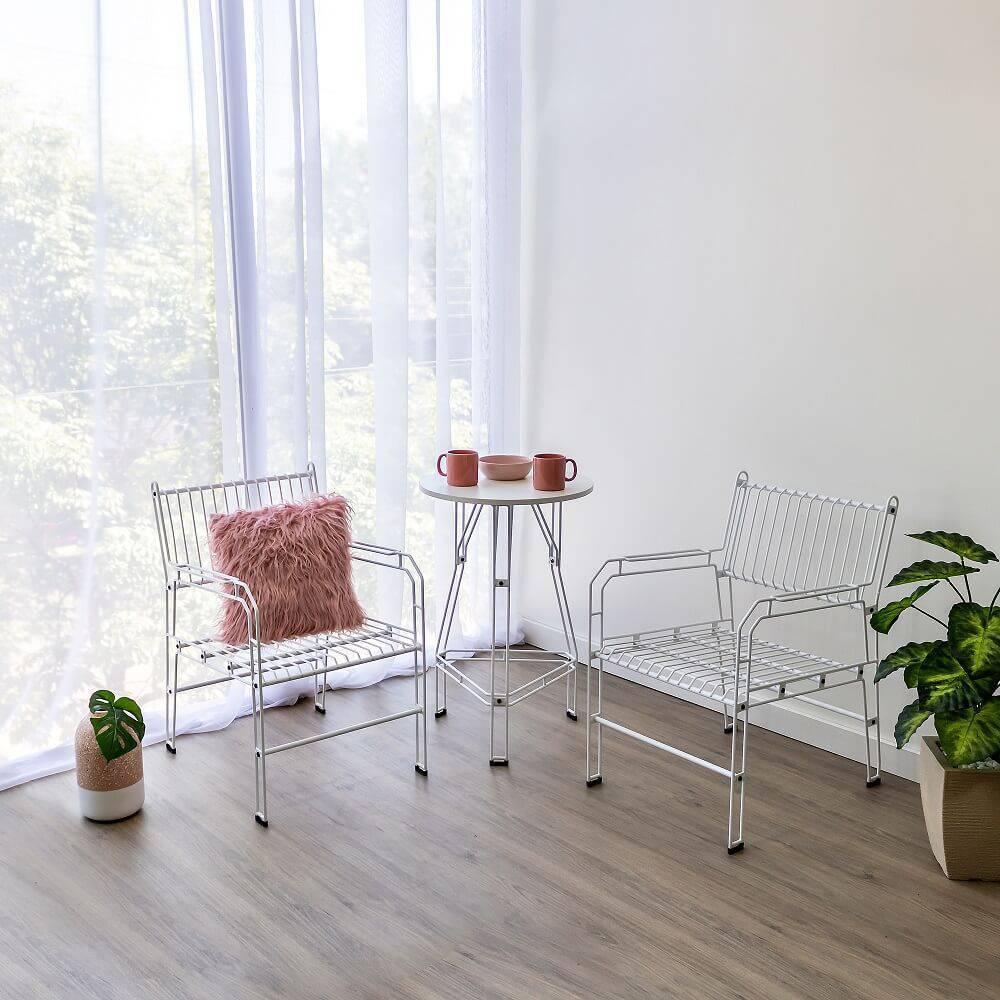 O móvel aramado é versátil e pode transformar diversos estilos de decoração