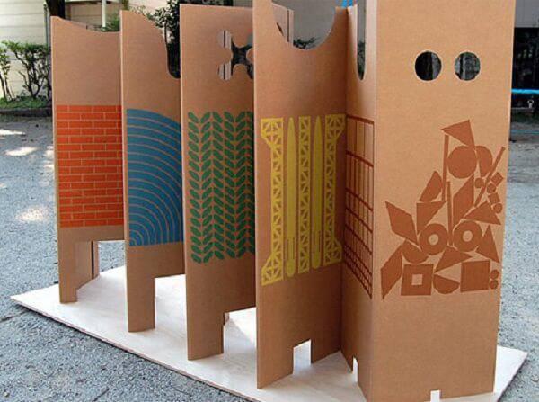 Crie móveis de papelão compactos como este biombo