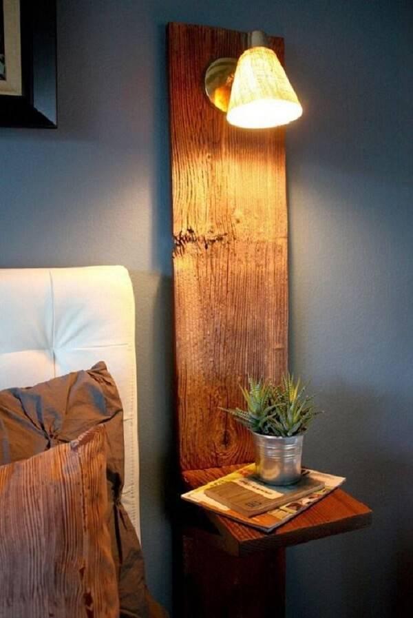 Para o quarto rústico invista em peças criativas e de madeira