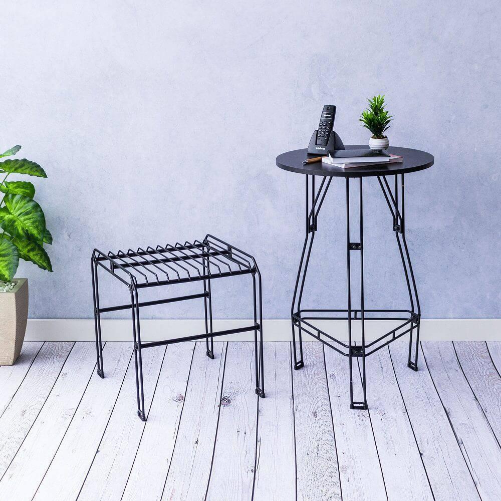 Banco decorativo aramado Niva apresenta design simples e desmontável