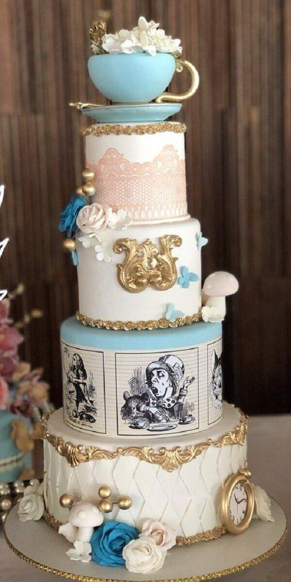 15-year-old fake cake with a Cinderella theme