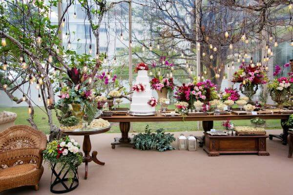 Mesa rústica para casamento boho