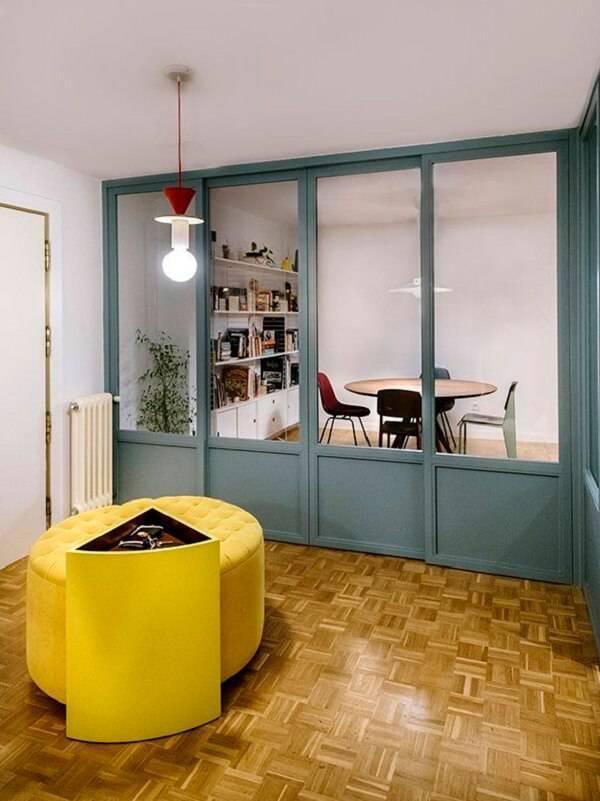 Como inserir uma porta de correr com ferragens ocultas