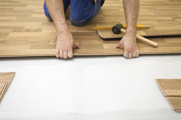 Como instalar piso flutuante sem danificar sua estrutura