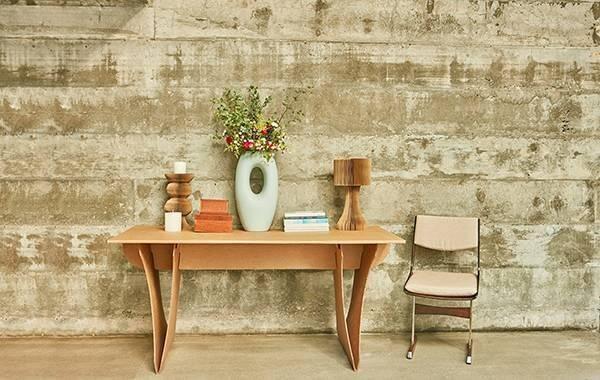 Os móveis de papelão trazem charme para a decoração