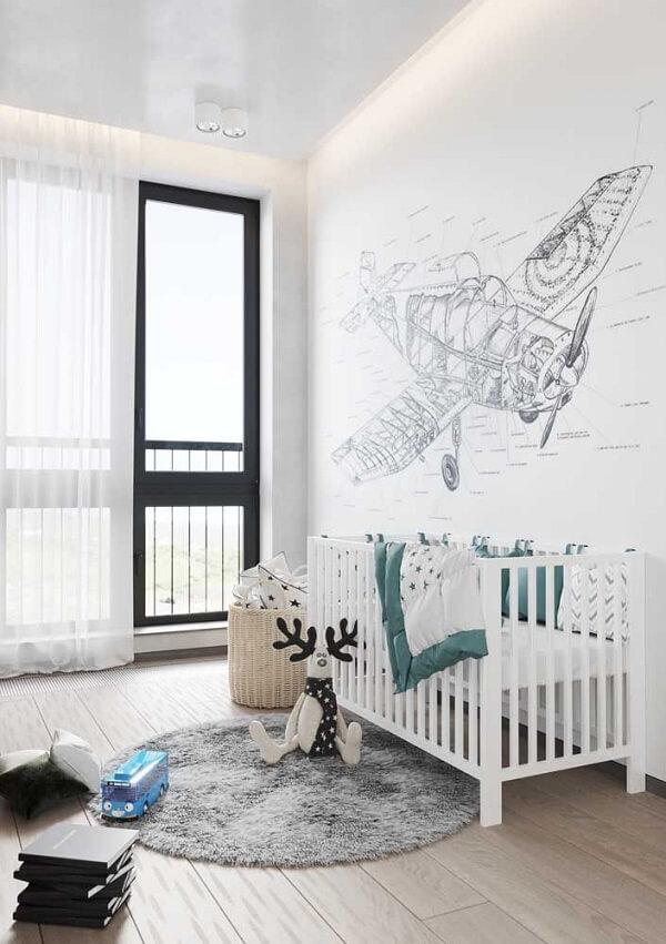 Quarto infantil com decoração clean e piso flutuante