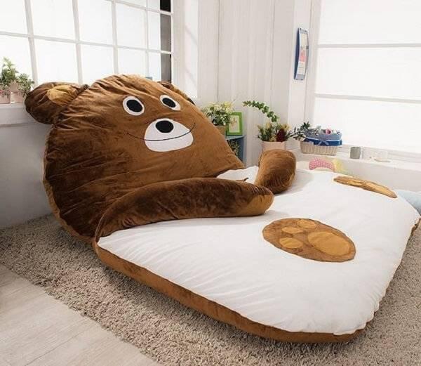 Puff gigante para dormir em formato de urso