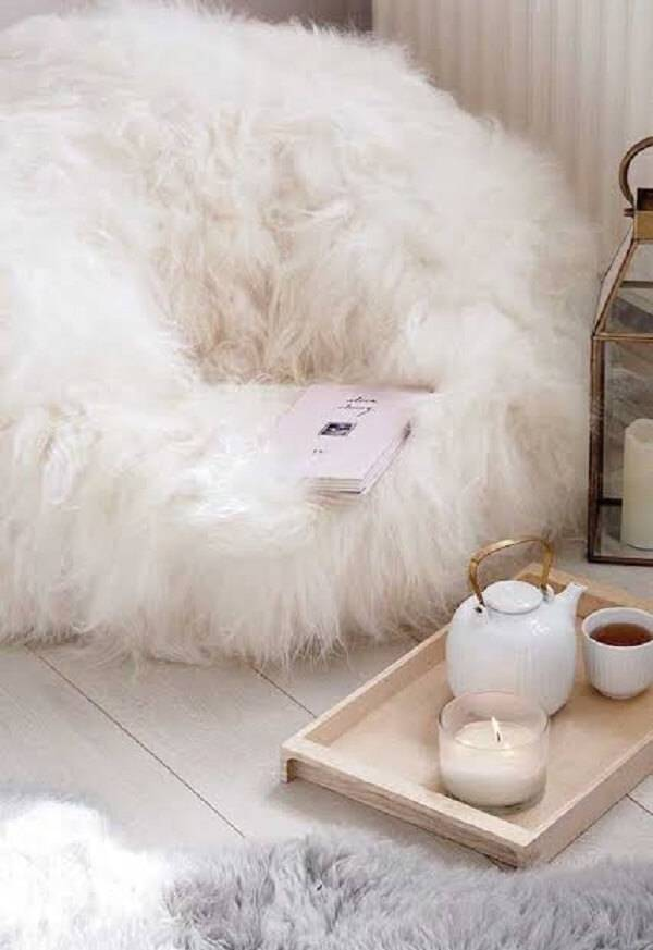 Puff gigante para quarto com tecido peludo
