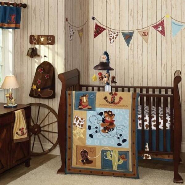 Que tal um quarto de bebê rústico e country?