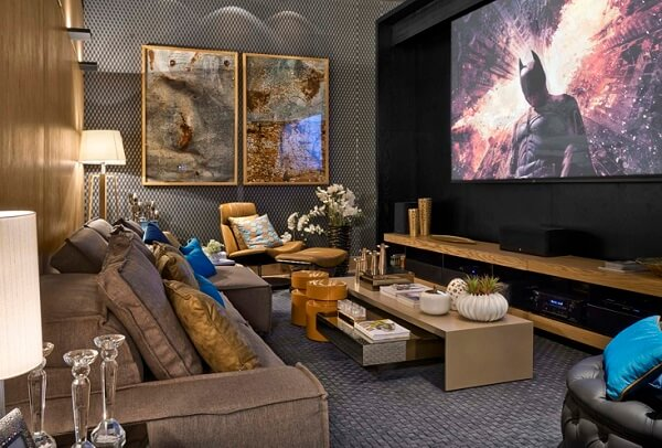 Poltronas para sala de tv com descanso para os pés trazem conforto aos ocupantes do ambiente