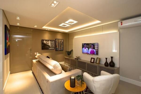 Poltronas para sala de tv com design moderno e tom branco