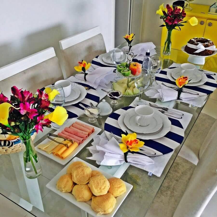 arranjo de flores para mesa de café da manhã decorada Foto Dicas de Mulher