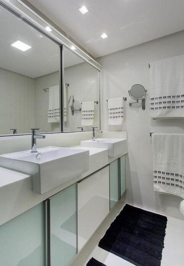 banheiro branco planejado Foto Bruno Sgrillo Arquitetura