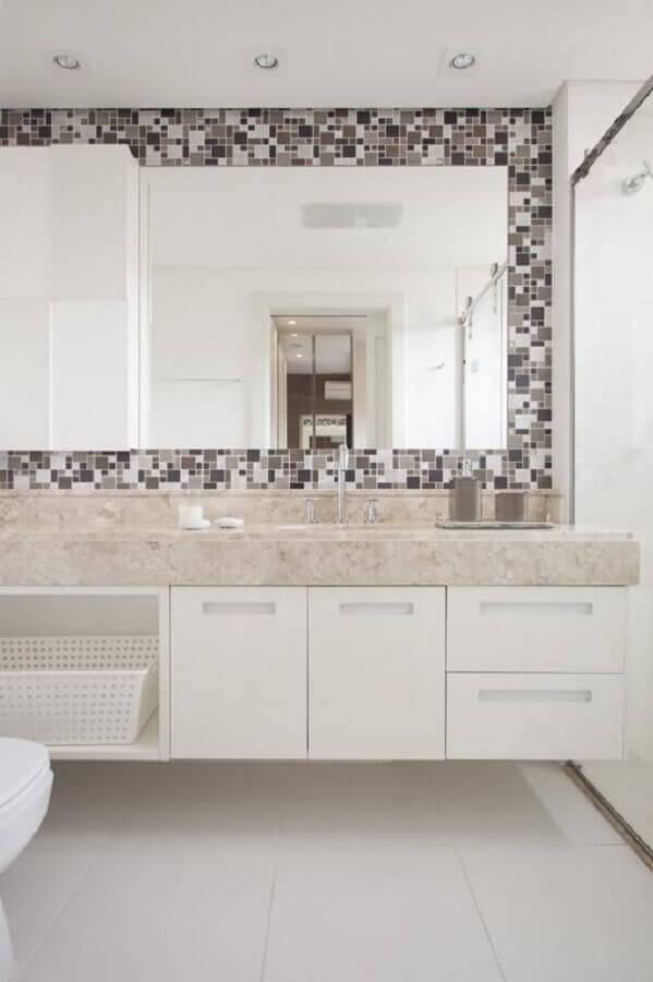 banheiro pequeno planejado com pastilhas Foto Sartori Design
