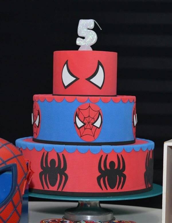 Modelo de bolo homem aranha fake