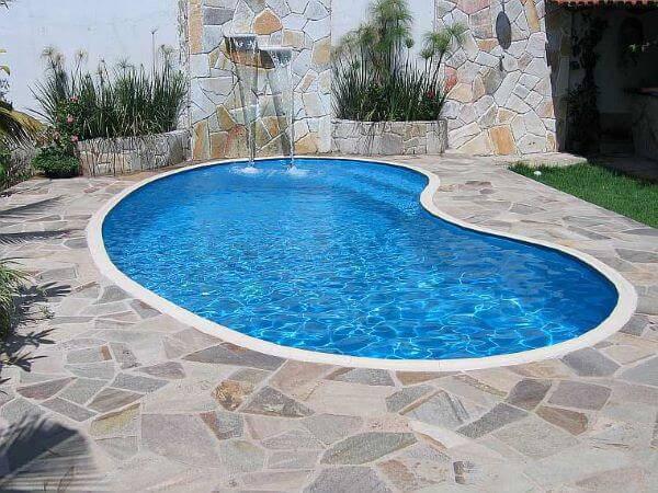 Borda de piscina de fibra com pedra são tomé