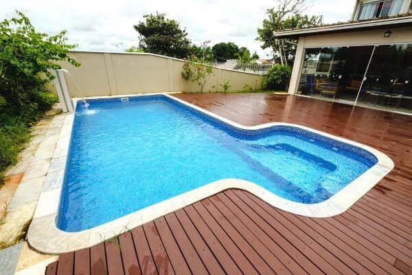 Borda para piscina diferente