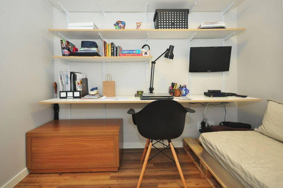 cadeira eames - home office com cadeiras eames pretas