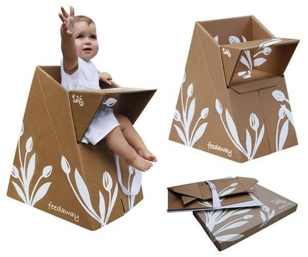 Invista em móveis de papelão como esta cadeirinha para bebê