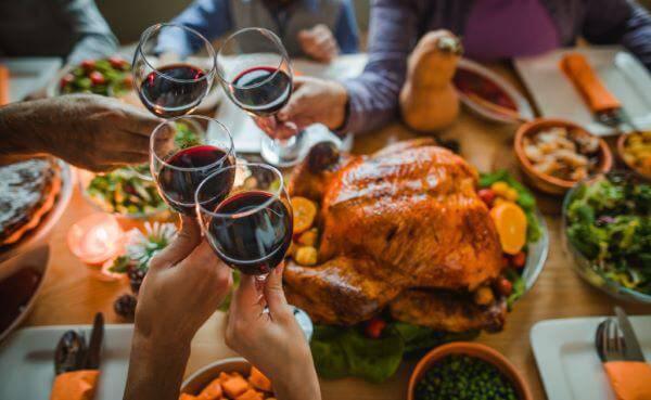 Ceia de ano novo com vinho