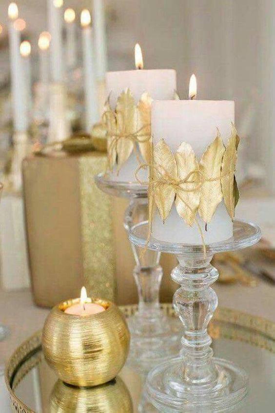 Ceia de ano novo dourada com velas