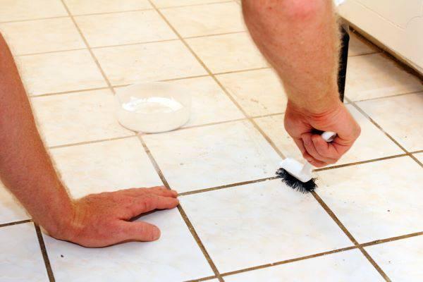 Como limpar rejunte branco