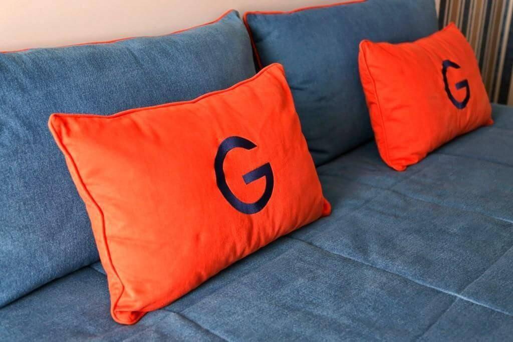 cor laranja - almofada laranja
