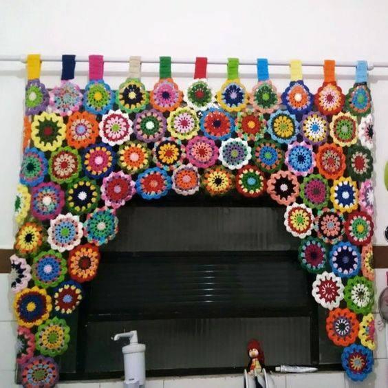 cortina de crochê - cortina de flores coloridas