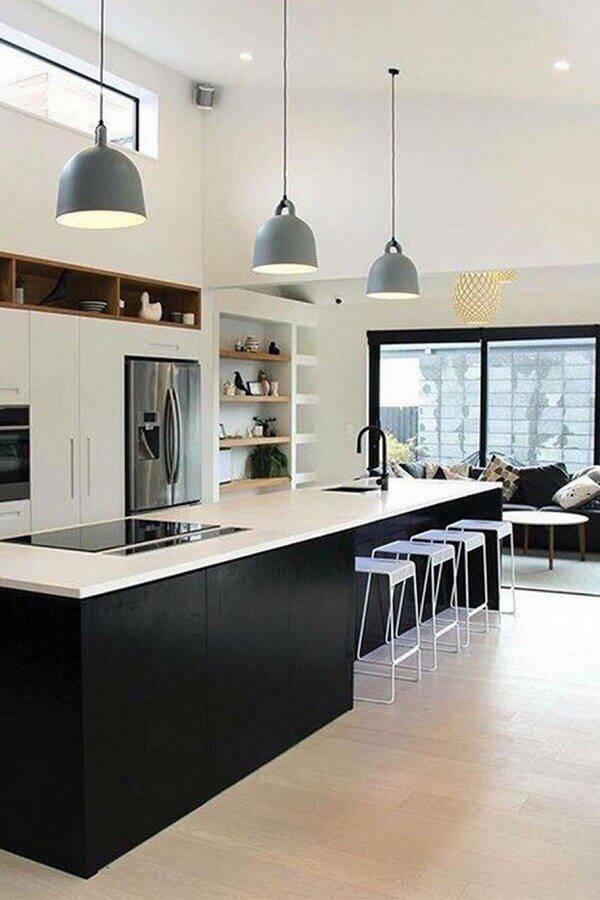 cozinha completa grande com ilha planejada Foto Interior Design